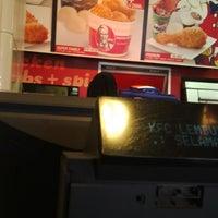 Photo taken at KFC by Nurul Y. on 8/15/2013