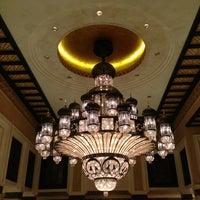 Foto diambil di Al Qasr Hotel oleh Brian P. pada 3/9/2013
