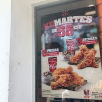 Photo taken at Kentucky Fried Chicken KFC by Claudia G. on 5/31/2018