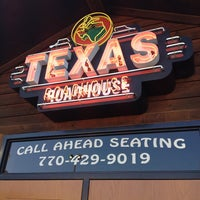 Photo taken at Texas Roadhouse by Pizza Guy on 2/27/2013
