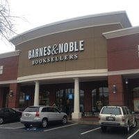 Photo taken at Barnes & Noble by Pizza Guy on 2/8/2013