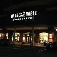 Photo taken at Barnes & Noble by Pizza Guy on 5/14/2013