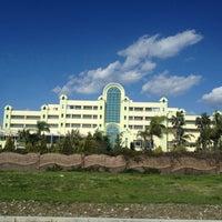2/20/2013 tarihinde CEP TELEFONU UZMANI DOCTOR B.ziyaretçi tarafından Presa Di Finica Hotel & Suites'de çekilen fotoğraf