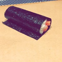 Foto tomada en KazuNori: The Original Hand Roll Bar  por Amy T. el 11/16/2017