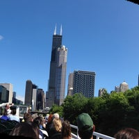 Photo prise au Chicago Architecture Foundation River Cruise par Amy T. le8/4/2013