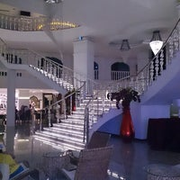 Foto scattata a Q Premium Resort Hotel Alanya da ünver G. il 6/6/2013