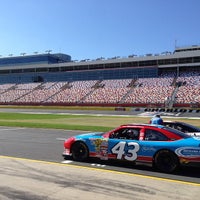 Nascar racing experience at charlotte motor speedway for Charlotte motor speedway concord parkway south concord nc