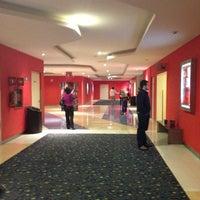 Foto tomada en Cinemex por Miriam D. el 2/17/2013