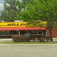 Photo taken at Waffle House by Luanne M. on 4/9/2013