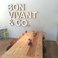 Foto tomada en Bon Vivant & Co. por Carlos O. el 5/9/2014