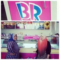 Photo taken at Baskin Robbins by Nakira R. on 11/29/2012