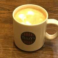 Photo taken at Tully's Coffee by montetsutsu on 12/27/2017