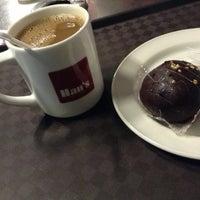 รูปภาพถ่ายที่ Han's Cafe โดย Yna M. เมื่อ 5/30/2013
