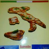 Photo taken at Restaurante Picola Italia by Davinia A. on 2/14/2013