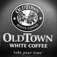 Photo taken at OldTown White Coffee by Jerry A. on 3/18/2013