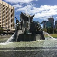 4/2/2018에 ✨Ozlem 🎐🐘🎈✨님이 Victoria Square Fountain에서 찍은 사진
