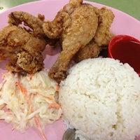 Photo taken at Taman Jurong Market & Food Centre by Sunhaj Y. on 3/12/2013