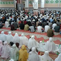 Photo taken at Masjid Agung Al-Makmur by Ratna Y. on 7/13/2013