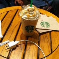 Foto tomada en Starbucks por Alejaandro P. el 9/14/2013