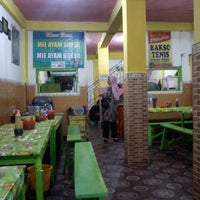 Photo taken at Bakso Tenis by Hanto S. on 3/11/2013