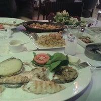 3/16/2013 tarihinde Serkan D.ziyaretçi tarafından Kordon Yengeç Restaurant'de çekilen fotoğraf