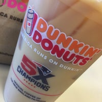 Photo taken at Dunkin' Donuts by Yvonne R. on 9/29/2017