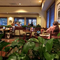 Photo taken at Olive Garden by Nykie S. on 3/8/2016