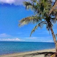 Photo taken at Inting's Beach Resort by Ken V. on 4/16/2013