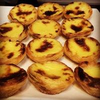 Foto tirada no(a) B.LEM Portuguese Bakery por Raul Z. em 10/4/2014