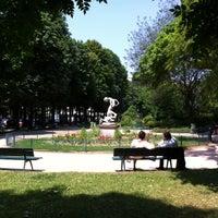 Photo taken at Jardin du Ranelagh by Tomoyoshi N. on 7/10/2013