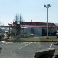 Foto scattata a McDonald's da Trucker4Harvick . il 3/20/2014