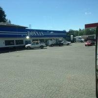 Das Foto wurde bei Donnas Truckstop von Trucker4Harvick . am 6/3/2013 aufgenommen