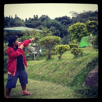 Photo taken at Villa Silma - puncak by Evan P. on 2/22/2013