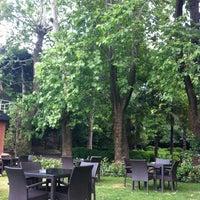 6/4/2013 tarihinde Esrâ Ç.ziyaretçi tarafından Fayton Cafe & Restaurant'de çekilen fotoğraf