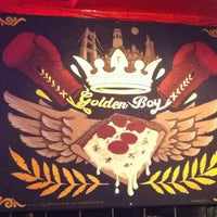 Foto scattata a Golden Boy Pizza da Edward H. il 9/16/2012