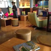 Foto tomada en WXYZ Lounge Bogota por Sedef M. el 8/25/2014