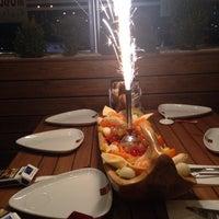 11/22/2013 tarihinde Arif•Altıntaşziyaretçi tarafından Modd Cafe & Restaurant'de çekilen fotoğraf