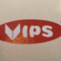 Photo taken at Vips by Enrique E. on 2/10/2013