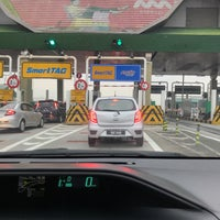 Photo taken at Plaza Tol Batu Tiga by Hamdan A. on 1/15/2018