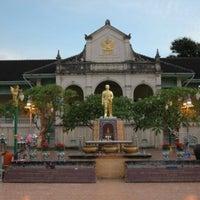 Photo taken at หอจดหายเหตุแห่งชาติ by Sinith B. on 4/8/2013