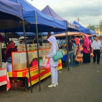 Photo taken at Tapak Pasar Malam, Taman Kota Jaya by yazid on 7/8/2013