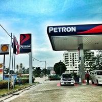 Photo taken at Petron, Jalan Johor by yazid on 7/14/2013