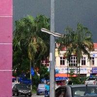 Photo taken at Tapak Pasar Malam, Taman Kota Jaya by yazid on 4/22/2013