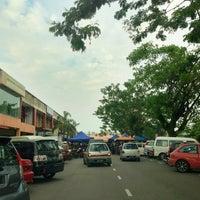 Photo taken at Tapak Pasar Malam, Taman Kota Jaya by yazid on 6/17/2013