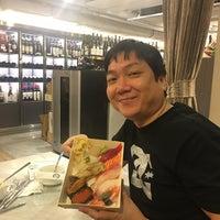 Das Foto wurde bei 丸壽司 von 宜君 黃. am 9/18/2018 aufgenommen