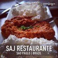Foto tirada no(a) Saj Restaurante por Denise B. em 12/29/2012