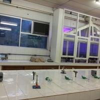 Photo taken at laboratório de bioquímica by Pamella S. on 3/8/2013