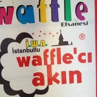 9/10/2013 tarihinde Derya A.ziyaretçi tarafından Waffle'cı Akın'de çekilen fotoğraf