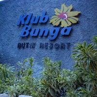 Photo taken at Klub Bunga Butik & Resort by Arizal T. on 12/29/2012