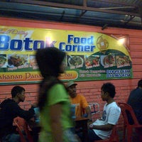 Photo taken at Botox Food Corner by Shazuwan F. on 3/19/2013